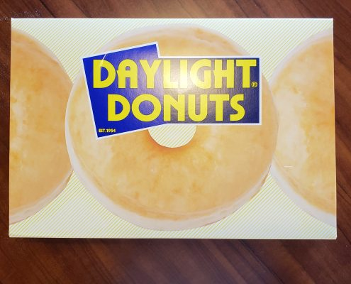 daylight donuts - store - box